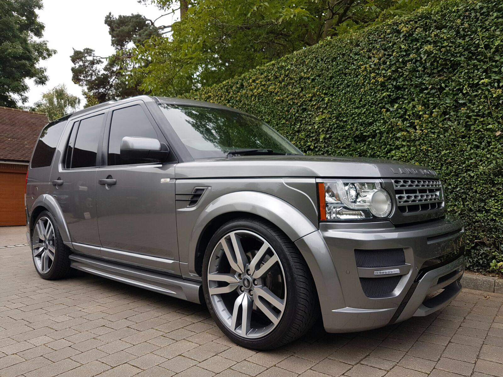 2011 Land Rover Discovery 4 LR7 Storm Edition body kit conversion